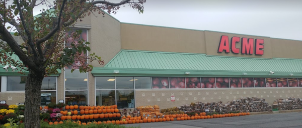 Acme Markets store front picture at 2098 Naamans Rd in Wilmington DE