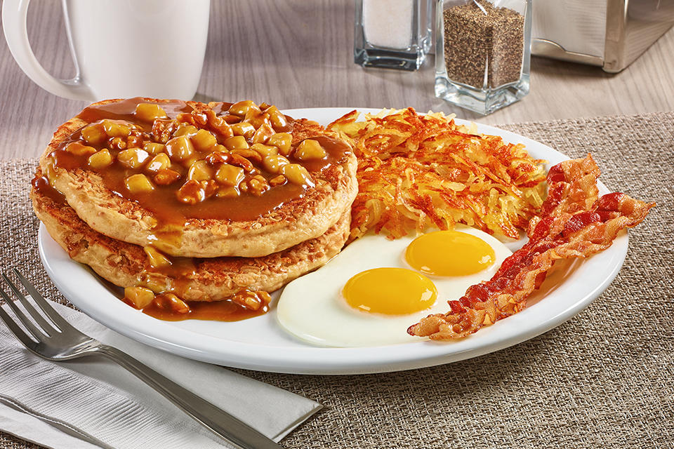 ¡Nuevo! Apple Bourbon Pancake Breakfast