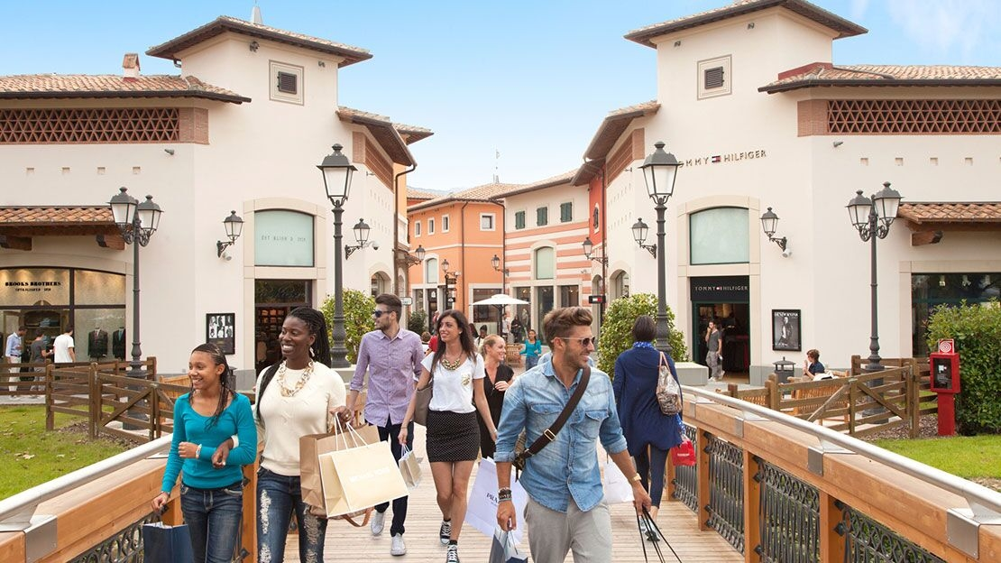 Barberino Designer Outlet at Barberino di Mugello, Italy | Designer ...