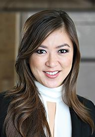 Linda Nguyen Loan officer headshot