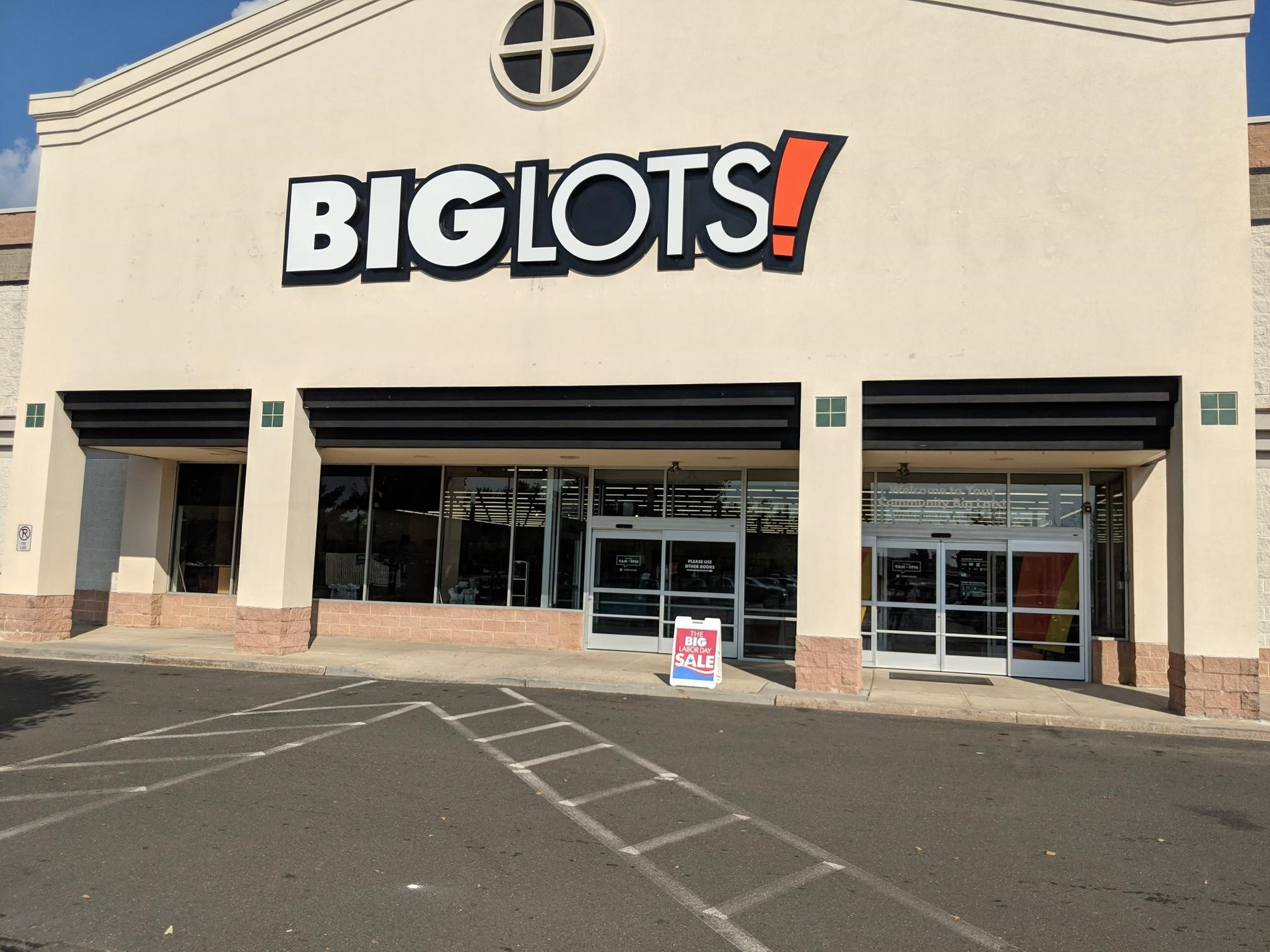 Freehold, NJ Big Lots Store #5273