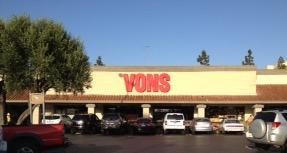 Vons Store Front Picture at 6555 Mission Gorge Rd in San Diego CA