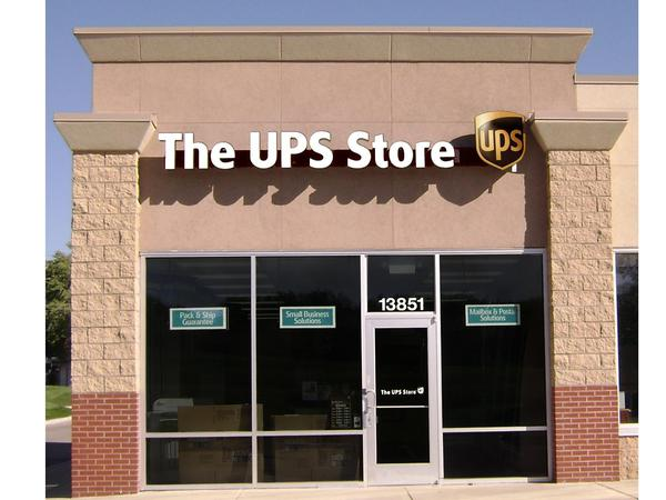 Facade of The UPS Store Shawnee