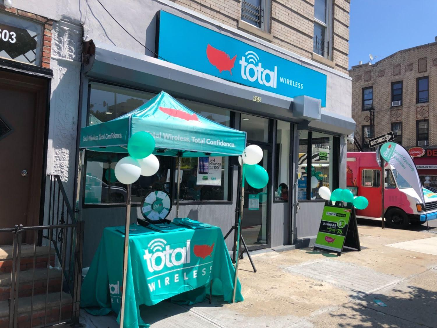 Total Wireless Store front image in Brooklyn,  NY