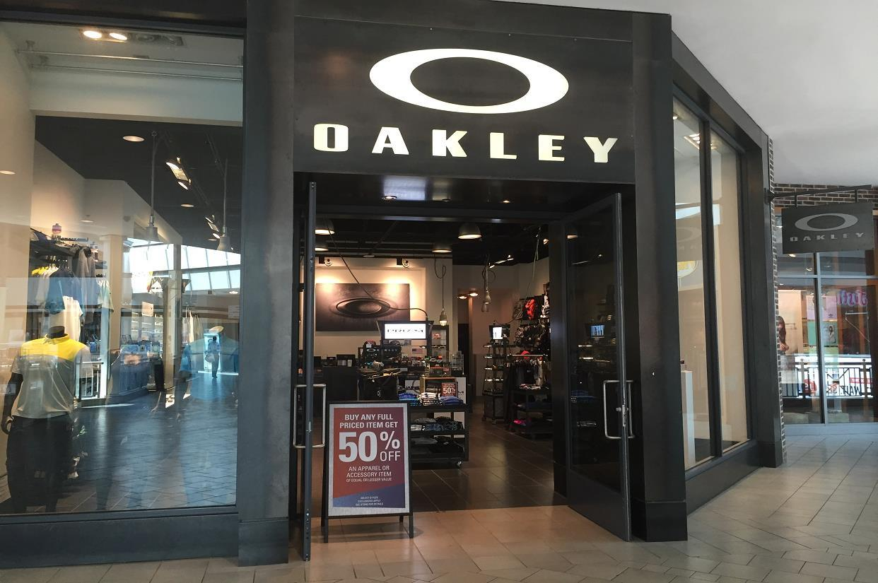 761ddd20d9 Oakley Store in 400 Commons Way Bridgewater