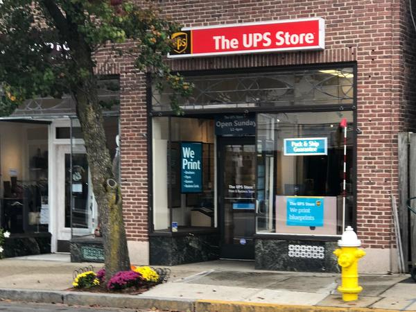 Exterior storefront shot of The UPS Store #2897 in Needham, MA
