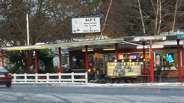 Alf's in McMinnville...the best 1/2lb burgers in town!!!