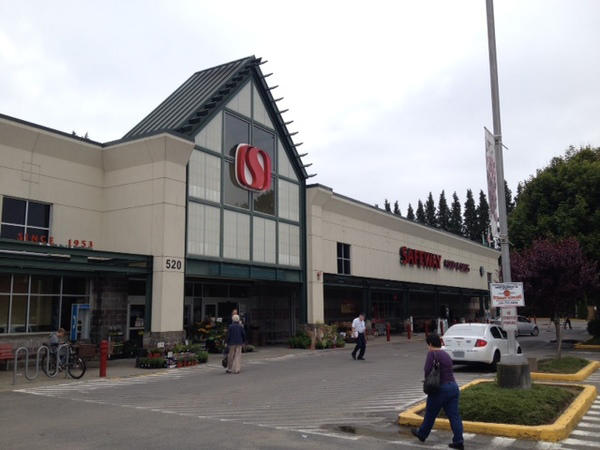 Safeway Store Front Picture at 520 Cleveland Ave in Tumwater WA