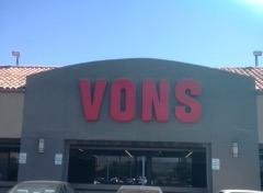 Vons Store Front Picture at 14200 Palm Dr in Desert Hot Springs CA