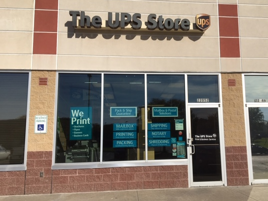 Exterior storefront image of The UPS Store #5094 in Shawnee, KS