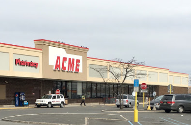 Acme Markets store front picture at 321 Route 440 in Jersey City, NJ
