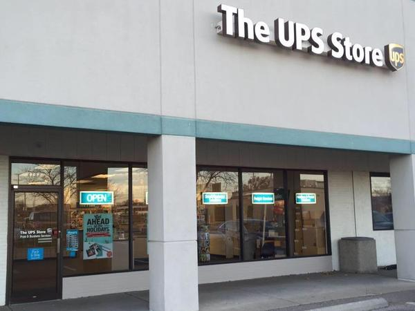 Facade of The UPS Store Upper Arlington