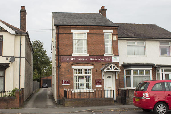 G Gibbs Funeral Directors in West Bromwich