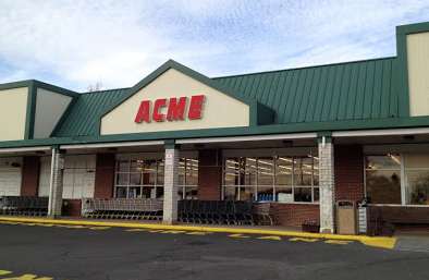 Acme Markets store front picture of store at 1825 Limekiln Pike in Dresher PA