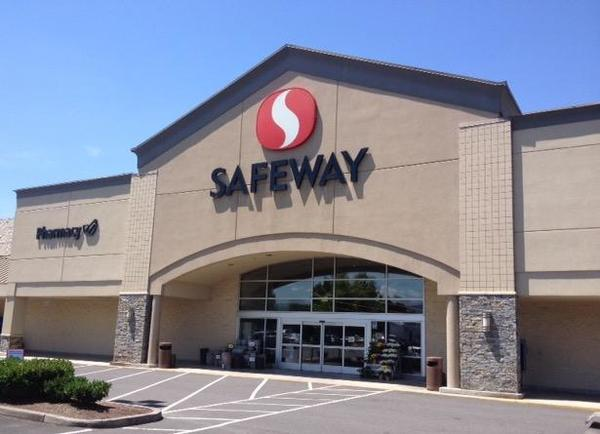 Safeway Store Front Photo at 3169 Crater Lake Highway in Medford OR