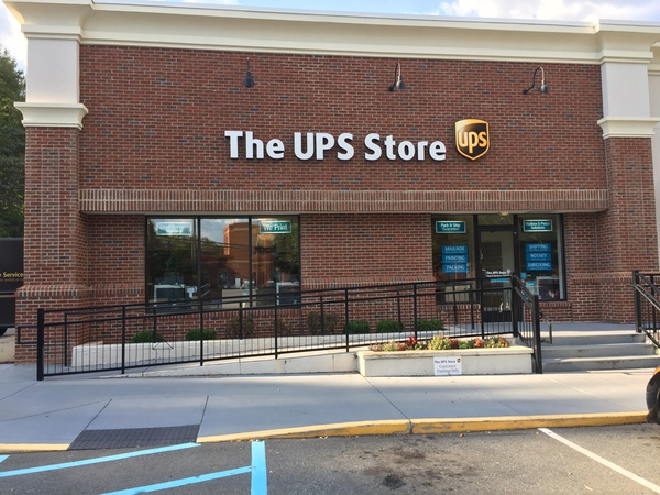 Facade of The UPS Store Charlotte