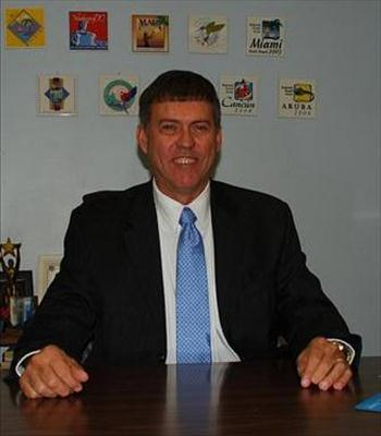 Photo of Tim Hogan