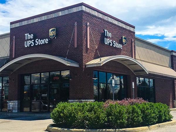 Facade of The UPS Store Greenwood