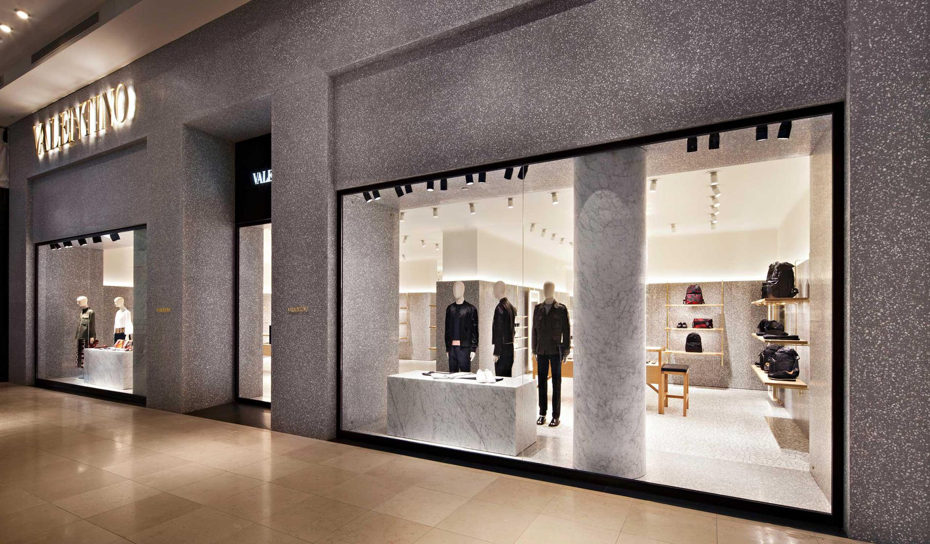 Melbourne Chadstone: Women's Collection