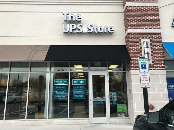 Facade of The UPS Store Lebanon