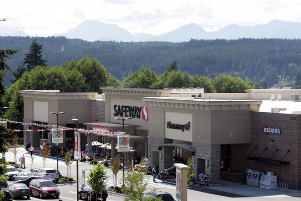 Safeway Store Front Picture at 19245 10th Ave NE in Poulsbo WA