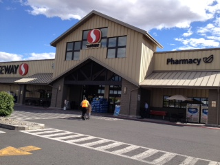 Safeway Basin St SW Store Photo