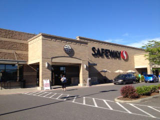 Safeway Store Front Picture at 3307 Evergreen Blvd in Washougal WA