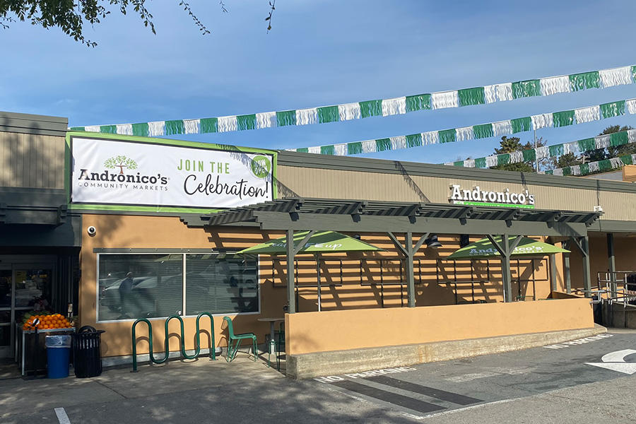 Andronico's Community Markets Store Front Picture at 100 Center Blvd