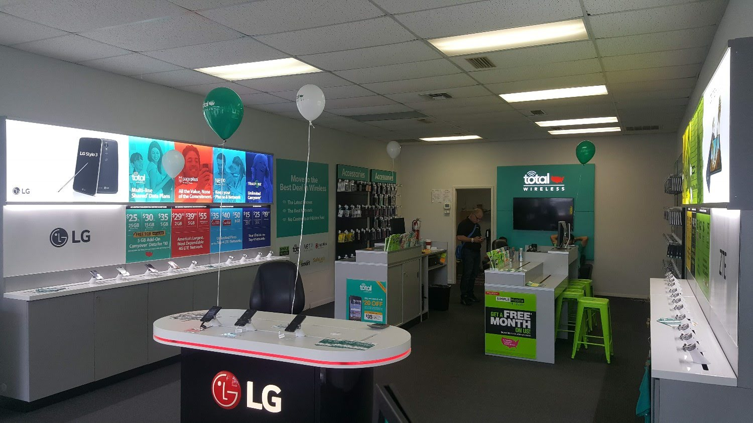 Total Wireless Store front image in Ocala,  FL