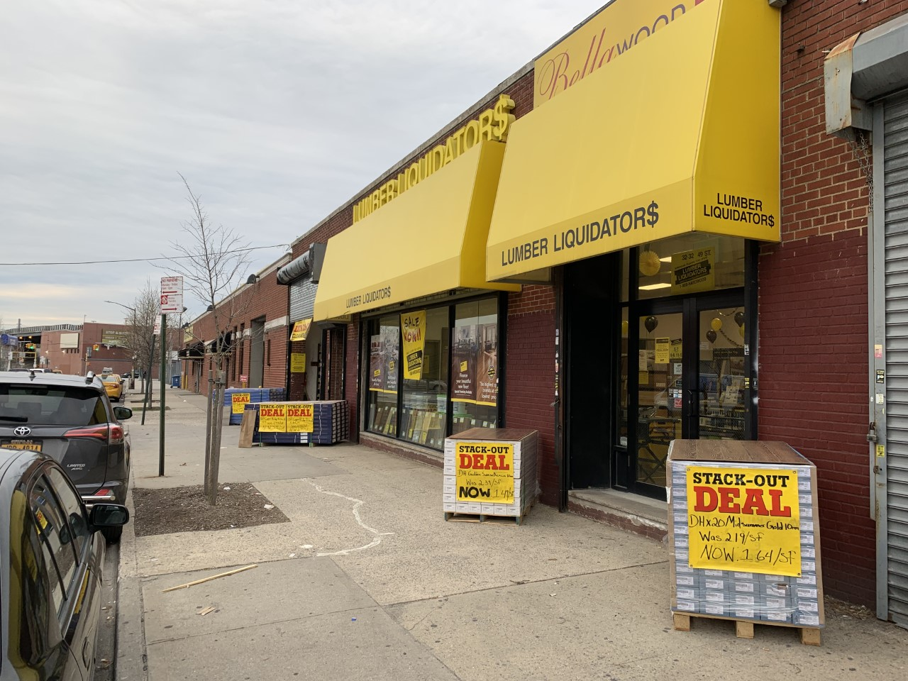 Lumber Liquidators Flooring #1219 Astoria | 32-32 49th Street | Store Front