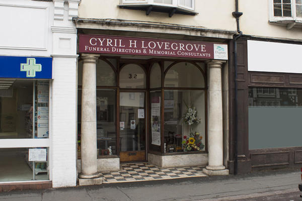 Cyril H Lovegrove Funeral Directors in Woking, Surrey.