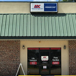 Front of Direct Auto store at 2747 East Napoleon Avenue, Sulphur