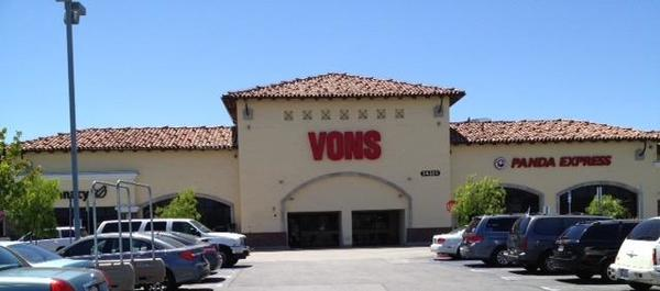Vons Store Front Picture at 24325 Crenshaw Blvd in Torrance CA