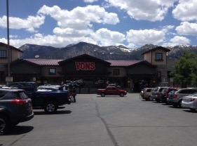 Vons Old Mammoth Rd Store Photo