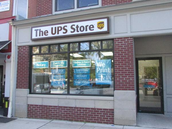 Facade of The UPS Store Morristown
