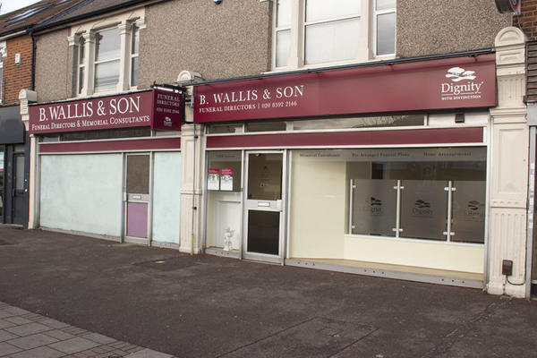 B Wallis & Son Funeral Directors in Dagenham, Essex.