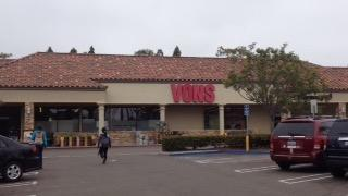 Vons Store Front Picture at 7788 Regents Rd in San Diego CA