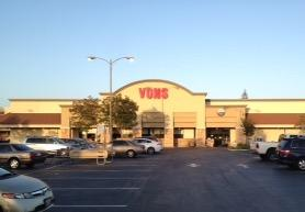 Vons Store Front Picture at 11322 Los Alamitos Blvd in Los Alamitos CA