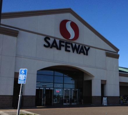 Safeway Store Front Picture at 138 W Ellendale Ave in Dallas OR