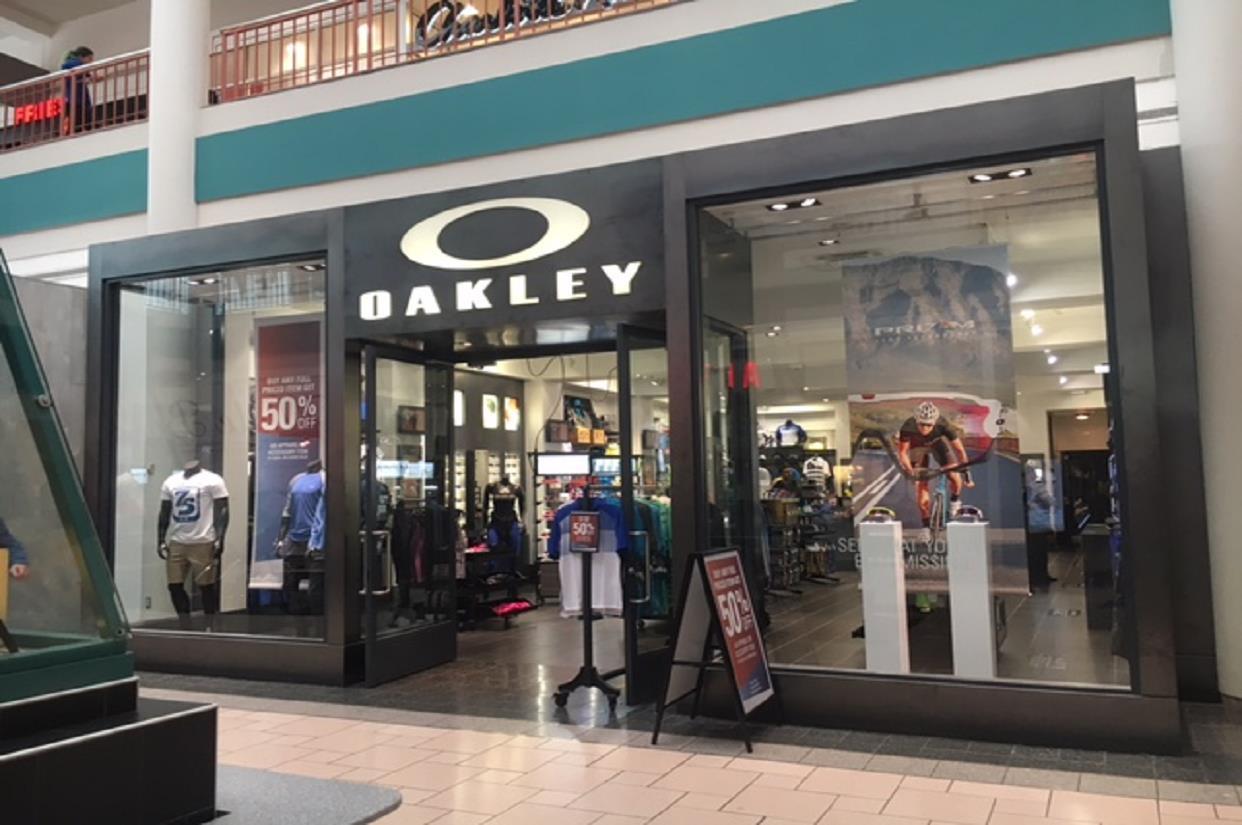 Oakley Store in 1 Destiny USA Dr Syracuse, New York | Men's & Women's  Sunglasses, Goggles, & Apparel