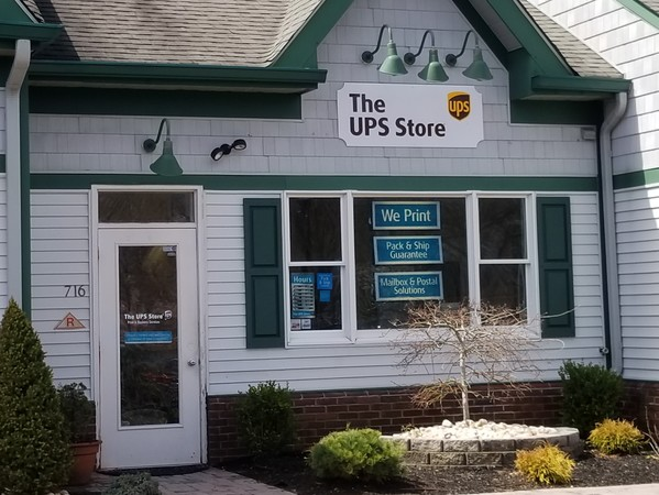 Facade of The UPS Store Lincroft