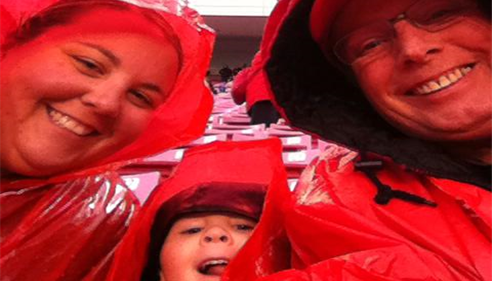 Cheering on our utes in the rain!
