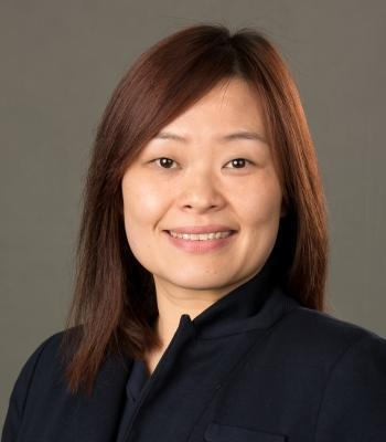 Photo of Linda Fong