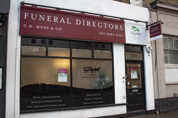 G R Moss & Co Funeral Directors in Clapton