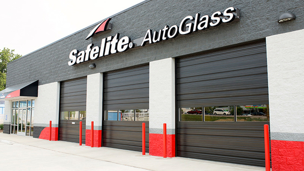 Outside Safelite AutoGlass garages.