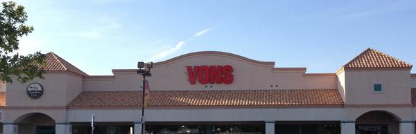 Vons Store Front Picture at 3027 Rancho Vista Blvd in Palmdale CA