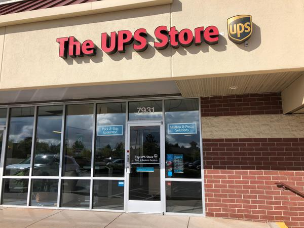 Facade of The UPS Store Littleton