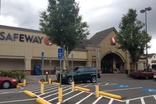 Safeway Store Front Picture at 20685 SW Roy Rogers in Sherwood OR