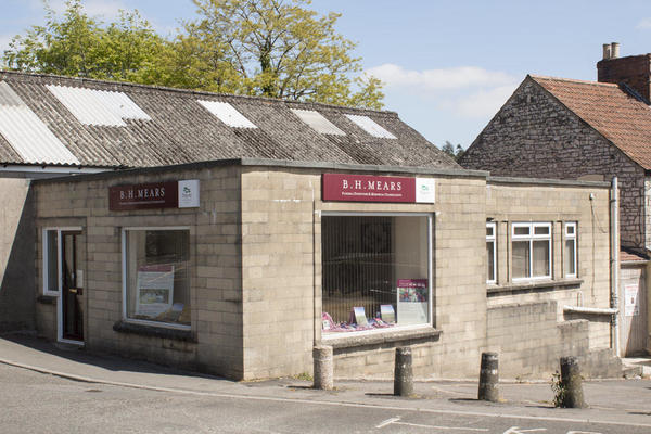 B H Mears Funeral Directors in Midsomer Norton