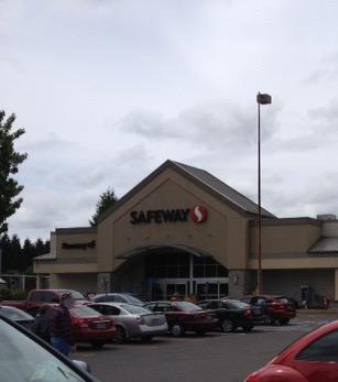 Safeway Store Front Photo at 1535 N 1st St in Stayton OR
